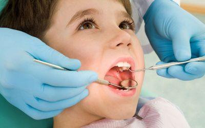 Bambini e denti storti: a che età intervenire?